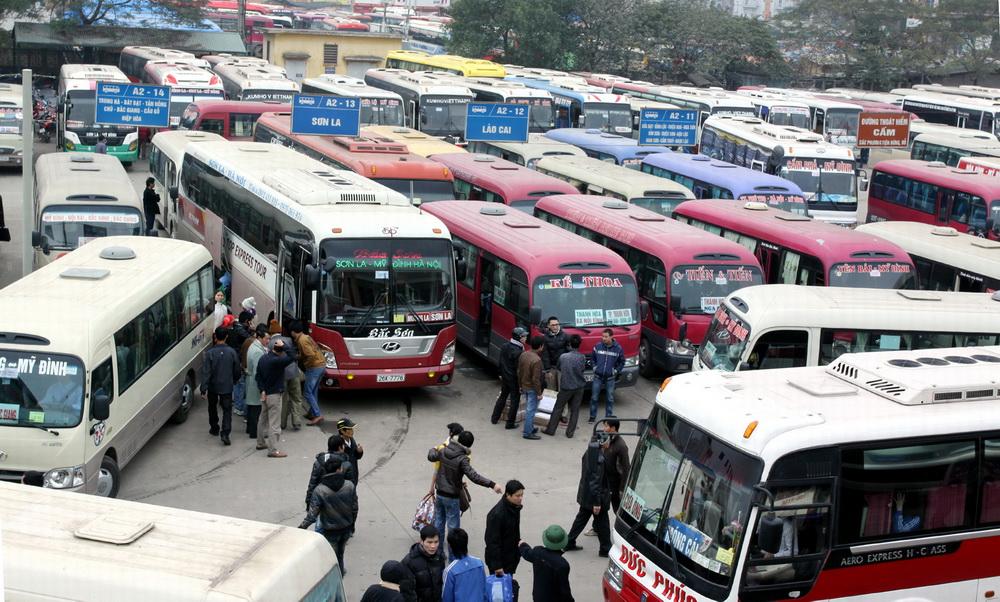 Thời sự đêm ngày 4/3/2015: Bộ Giao thông vận tải yêu cầu hai Sở Giao thông vận tải thành phố Hà Nội và Hải Phòng tạm ngừng cấp phép mới trên tuyến vận tải hành khách cố định Hà Nội-Hải Phòng và ngược lại do tình trạng mất an ninh trật tự.