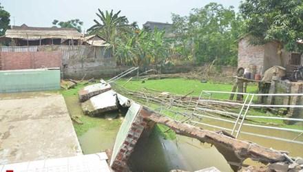 Thời sự chiều ngày 19/4/2015: Sập tường bể bơi tại Vĩnh Phúc làm một học sinh tử vong và 2 học sinh khác bị thương.