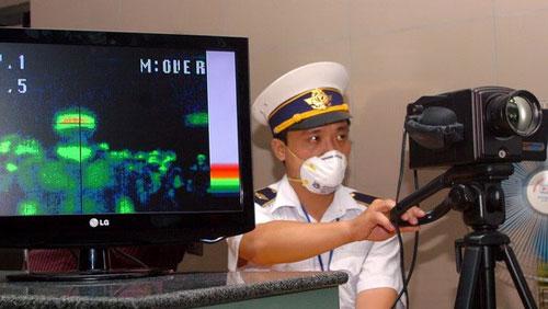 Thời sự trưa ngày 2/6/2015: Bộ Y tế họp khẩn bàn giải pháp ngăn ngừa dịch bệnh do nhiễm Hội chứng viêm đường hô hấp cấp do virus Corona (MERS-CoV) có thể thâm nhập vào Việt Nam.