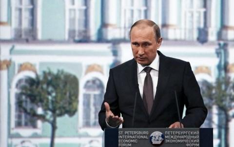 Nga và phương Tây leo thang đối đầu (Thế giới 7 ngày ngày 21/6/2015)
