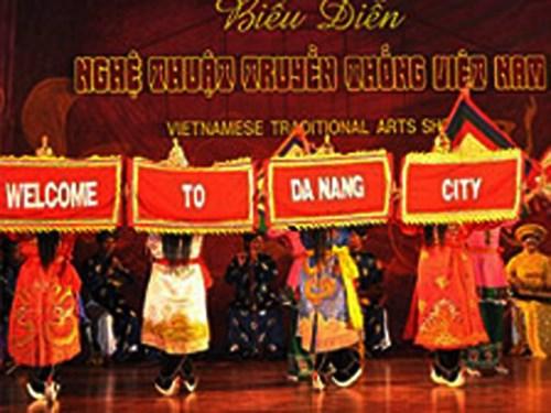 Lần đầu tiên thành phố Đà Nẵng đã đưa nghệ thuật tuồng trình diễn tại sân khấu ngoài trời. (Điểm hẹn 17h ngày 15/7/2015)