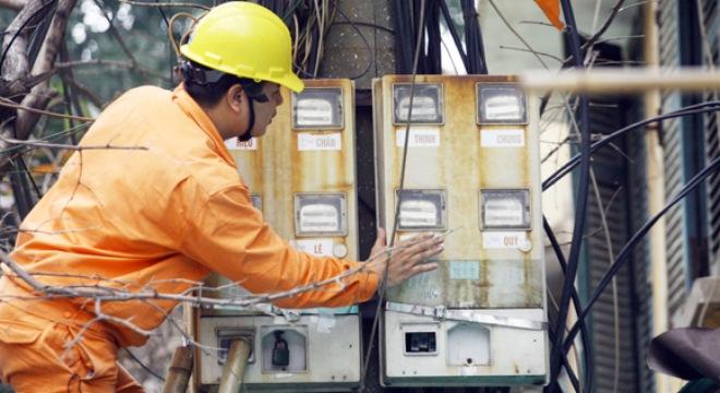 Ngành điện cần minh bạch hơn trong các dịch vụ cung cấp điện. (Việt Nam trong tuần ngày 18/7/2015)