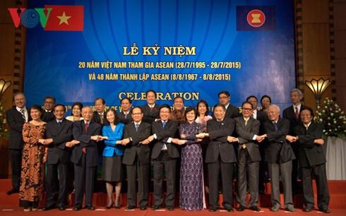 Thời sự đêm ngày 28/7/2015: Bộ Ngoại giao tổ chức trọng thể Lễ kỉ niệm 20 năm ngày Việt Nam tham gia Hiệp hội các quốc gia Đông Nam Á