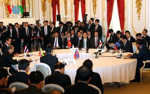Thời sự chiều ngày 04/7/2015: Thủ tướng Nguyễn Tấn Dũng cùng các nhà lãnh đạo tham dự Hội nghị cấp cao MeKong-Nhật Bản lần thứ 7 nhất trí thông qua chiến lược Tokyo 2015