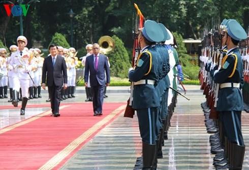 Thời sự đêm ngày 10/8/2015: Chủ tịch nước Trương Tấn Sang và Tổng thống Bangladesh ra tuyên bố chung khẳng định mong muốn đưa quan hệ song phương phát triển lên tầm cao mới