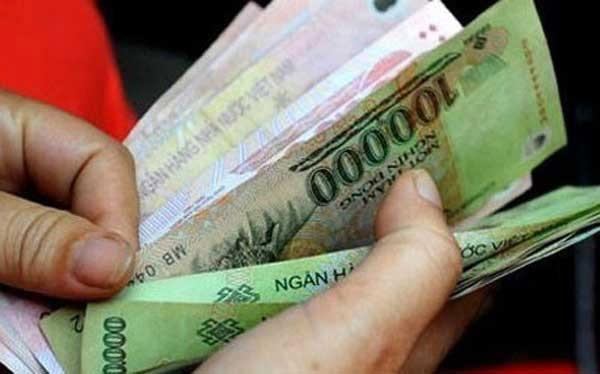 Thời sự sáng ngày 17/8/2015: Tổng Liên đoàn Lao động Việt Nam đề xuất 3 phương án tăng lương tối thiểu vùng năm 2016. Theo đó mức đề xuất tăng cao nhất là 600.000 đồng/tháng.