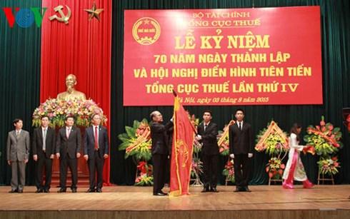Thời sự chiều ngày 3/8/2015: Chủ tịch Quốc hội Nguyễn Sinh Hùng dự kỷ niệm 70 năm ngày thành lập Tổng cục Thuế.
