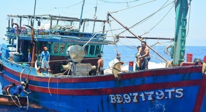 Thời sự sáng ngày 7/8/2015: 12 ngư dân Bình Định gặp nạn đã về bờ an toàn.