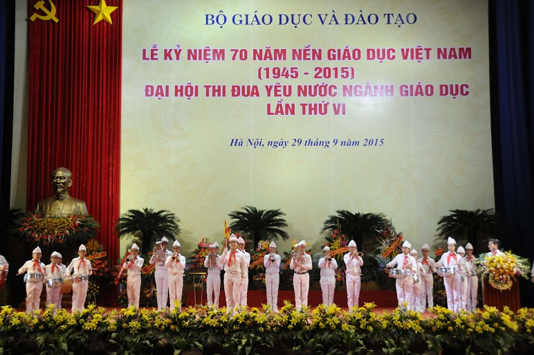 Sáng nay, tại Hà Nội, Bộ Giáo dục và Đào tạo tổ chức lễ kỷ niệm 70 năm nền giáo dục Việt Nam và Đại hội thi đua yêu nước ngành Giáo dục lần thứ 6