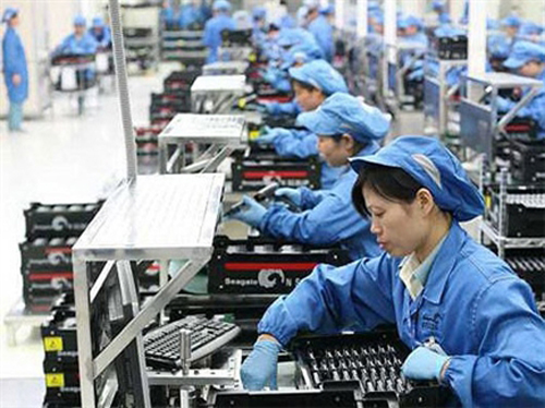 Cơ hội và thách thức đối với người lao động khi Việt Nam tham gia cộng đồng kinh tế ASEAN 2015