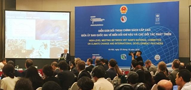 Bạn bè quốc tế hỗ trợ Việt Nam ứng phó biến đổi khí hậu (7/11/2016)