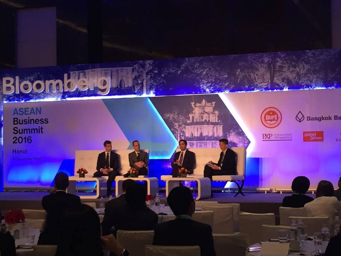 Hội nghị thượng đỉnh kinh doanh ASEAN Bloomberg 2016 nhấn mạnh vai trò Cộng đồng kinh tế ASEAN (14/12/2016)