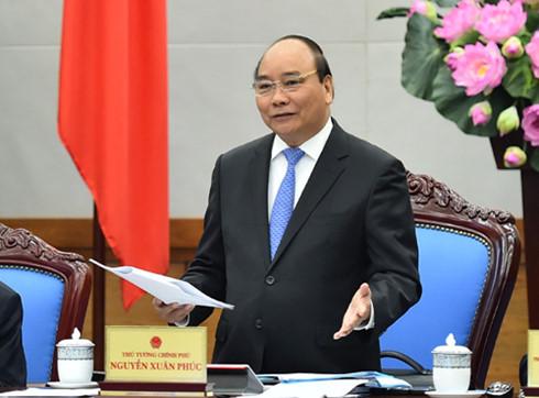 Muốn không tụt hậu thì phải đổi mới để phát triển. Đây là kết kết luận của Thủ tướng Nguyễn Xuân Phúc tại Hội nghị trực tuyến của Chính phủ với các địa phương vào sáng nay (Thời sự chiều 29/12/2016)
