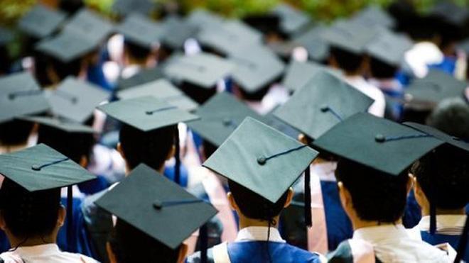 Năm nay tỷ lệ lao động thất nghiệp sẽ ở mức khoảng 1,1 triệu người, trong đó lao động có trình độ đại học thất nghiệp được dự báo khoảng 200.000 người (Thời sự đêm 2/1/2017)