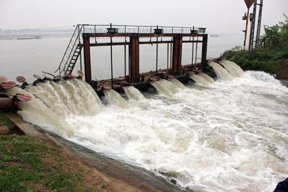 Từ 0 giờ đêm nay, các hồ thủy điện lớn sẽ xả nước đợt 1 đổ ải 630 nghìn ha diện tích Đông xuân cho các tỉnh Trung du và Đồng bằng Bắc bộ (Thời sự đêm 9/1/2017)