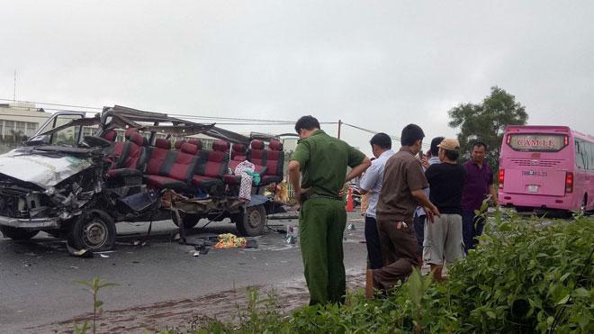Bài học đắt giá từ vụ tai nạn giao thông nghiêm trọng ở Tây Ninh  (04/10/2017)