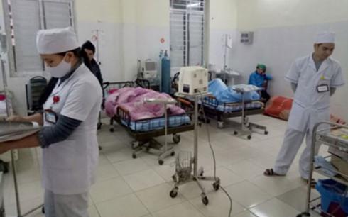 Vụ ngộ độc thực phẩm tập thể ở Hà Giang: đến nay đã có 51 người nhập viện, 3 người tử vong (Thời sự sáng 5/10/2017)