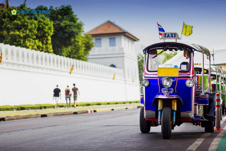 Thái Lan chuyển đổi toàn bộ xe tuk-tuk sang sử dụng động cơ điện (18/10/2017)