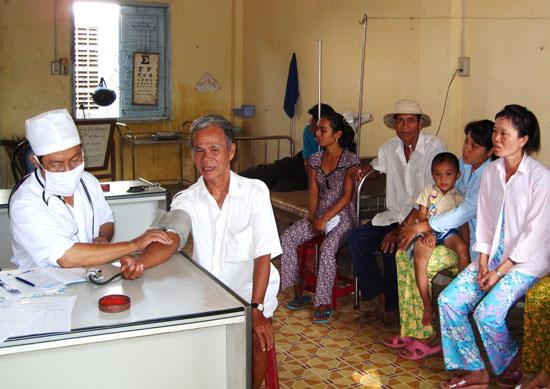 Chăm sóc sức khỏe nhân dân, nhìn từ góc độ y tế cơ sở (2/10/2017)