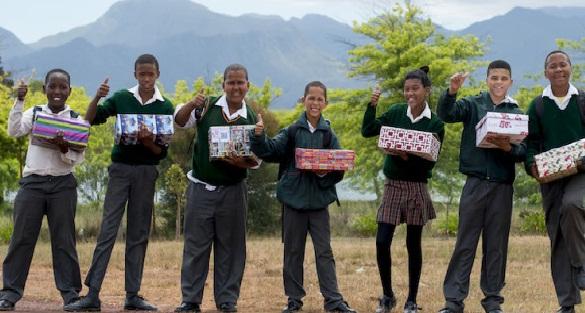 Santa Shoebox – những món quà dành tặng riêng cho trẻ em tại Nam Phi và Namibia (26/12/2017)
