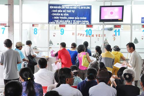 Bảo hiểm Xã hội Việt Nam khẳng định, không có chuyện gần 200 bệnh viện tư nhân bị loại khỏi danh sách được khám chữa bệnh và thanh toán bảo hiểm y tế (Thời sự chiều 7/12/2017)