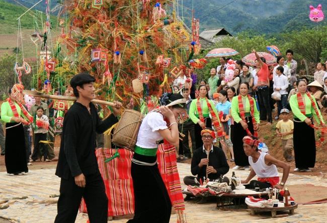 Lễ hội Hết Chá- nét văn hóa đặc sắc của người Thái-Mộc Châu (13/02/2017)