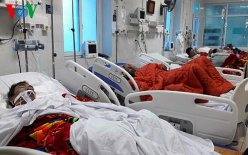 Về vụ ngộ độc tập thể tại Phong Thổ, Lai Châu, nguyên nhân ban đầu được xác định nghi do ngộ độc Methanol (Thời sự trưa 15/2/2017)