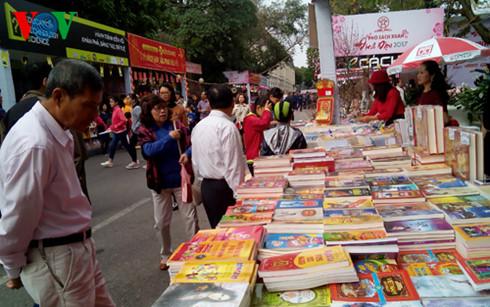 Lễ hội sách đầu xuân: Ngẫm về văn hóa đọc (1/2/2017)