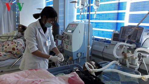 Xảy ra một vụ ngộ độc thực phẩm nghiêm trọng tại tỉnh Lai Châu khiến 6 người chết và 11 người nhập viện cấp cứu (Thời sự trưa 14/02/2017)