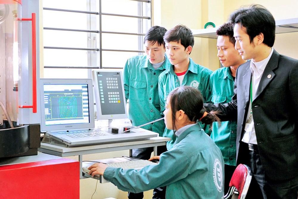 Nhật Bản tăng cường đầu tư cấp cơ sở cho Việt Nam (27/02/2017)