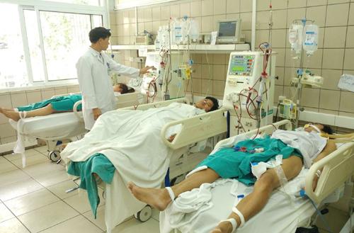 Đã tìm ra nguồn gốc rượu methanol khiến 12 sinh viên ở Hà Nội ngộ độc (Thời sự chiều 11/3/2017)