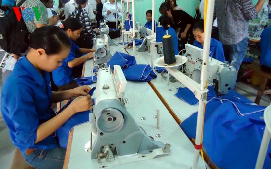 Sự đổ vỡ của thị trường lao động Việt Nam (18/3/2017)