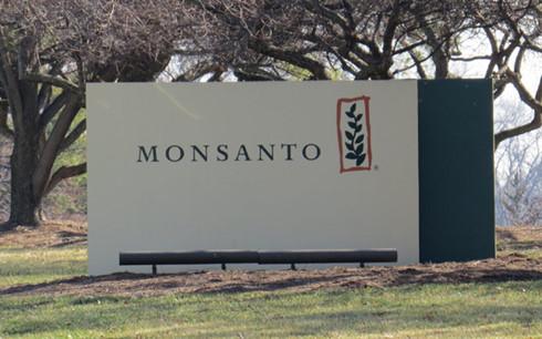Tòa án Quốc tế kết tội tập đoàn Monsanto hủy diệt môi trường và hệ sinh thái nhiều nước, trong đó có Việt Nam (Thời sự đêm 20/4/2017)