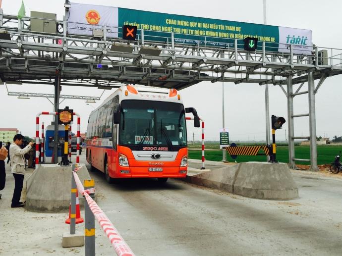 Đoàn giám sát của Ủy ban Thường vụ Quốc hội phát hiện nhiều sai phạm tại các công trình giao thông BOT ở hai tỉnh Quảng Nam và Bình Định (Thời sự trưa 1/4/2017)