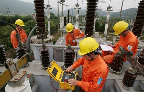 Tổng công ty Điện lực miền Bắc: Nhiều giải pháp phòng ngừa tai nạn lao động (15/5/2017)