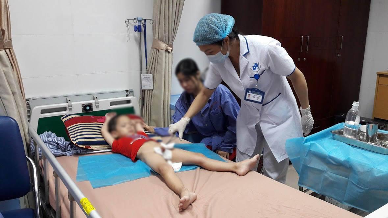 Hơn 70 bé trai bị sùi mào gà tại huyện Khoái Châu, tỉnh Hưng Yên, và đáng lo ngại là con số bệnh nhi còn đang có xu hướng tiếp tục tăng lên (28/7/2017)