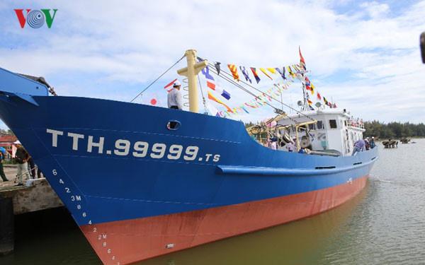 Cần tiếp tục hỗ trợ ngư dân đóng tàu cá vỏ thép (25/9/2017)