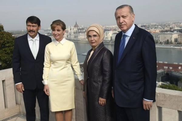 Tổng thống Thổ Nhĩ Kỳ thăm Hungary tìm cách giảm căng thẳng trong quan hệ với châu Âu (10/10/2018)