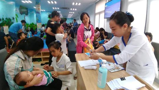 Cách phòng tránh bệnh tay chân miệng, sởi, sốt xuất huyết trong trường học (22/10/2018)