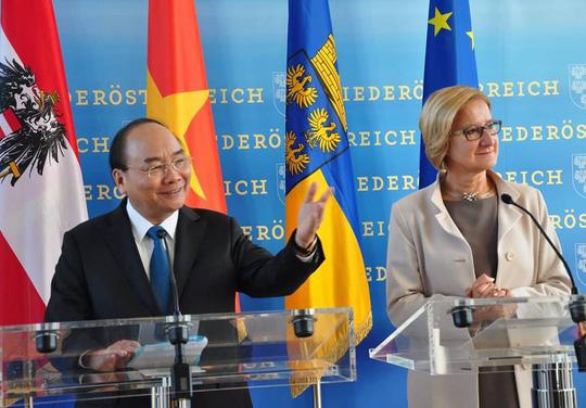 Thủ tướng Nguyễn Xuân Phúc thăm bang Hạ Áo và Đại học Khoa học ứng dụng Krem, kết thúc thăm chính thức Cộng hòa Áo (Thời sự chiều 16/10/2018)