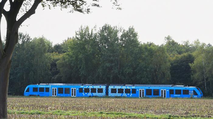 Đức bắt đầu vận hành tàu hỏa đầu tiên trên thế giới chạy bằng khí hydrogen (4/10/2018)