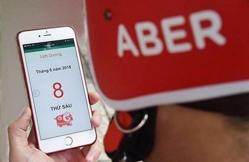 Người tiêu dùng tại Hà Nội có thêm một sự lựa chọn, khi ứng dụng gọi xe công nghệ A-BER vừa chính thức khai trương sáng nay tại Hà Nội (Thời sự chiều 19/10/2018)