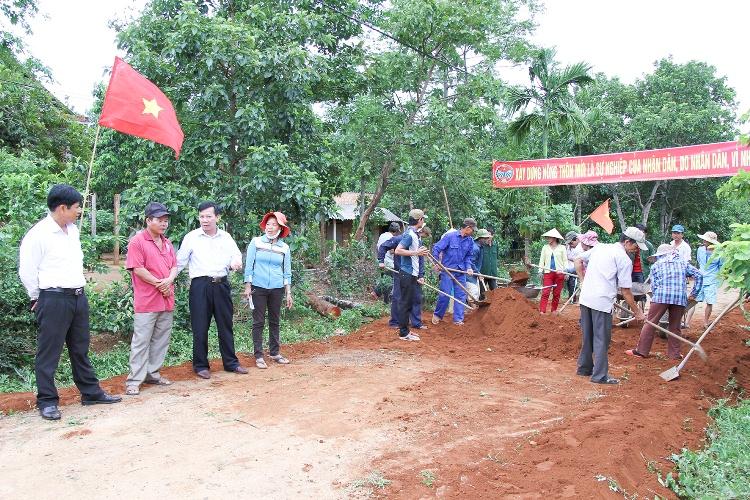 Phát huy vai trò của cấp ủy Đảng trong xây dựng nông thôn mới (13/10/2018)