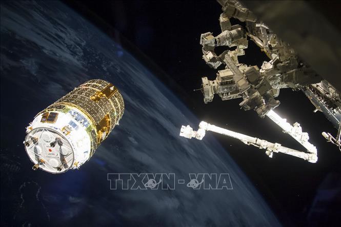 """Nga tố lỗ thủng trên trạm Vũ trụ Quốc tế ISS là """"sản phẩm"""" của một hành động cố ý (4/10/2018)"""