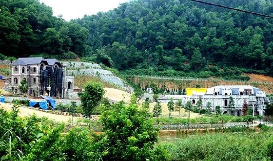 Lãnh đạo TP Hà Nội yêu cầu xử lý nghiêm các vi phạm liên quan xâm lấn đất rừng phòng hộ tại Sóc Sơn. Trong tháng 12 phải cưỡng chế 27 công trình vi phạm mới (Thời sự đêm 30/10/2018)