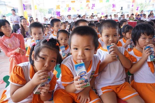 Băn khoăn từ chương trình sữa học đường (10/10/2018)