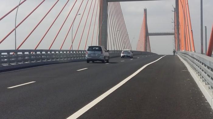 Liên tiếp những sự cố trên các tuyến cao tốc được phát hiện, đặt ra những nghi vấn về chất lượng thi công các công trình này (8/11/2018)