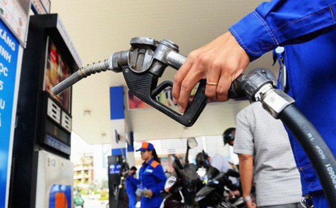 Giá xăng trong nước được điều chỉnh giảm hơn 1 nghìn đồng một lít kể từ 15 giờ chiều nay (Thời sự chiều 6/11/2018)
