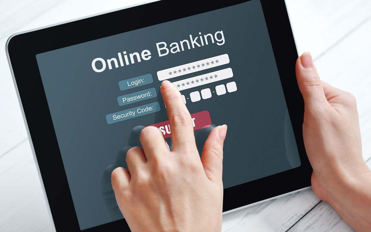 Phát triển đồng bộ các dịch vụ ngân hàng số phòng tránh lừa đảo khi giao dịch trực tuyến (3/11/2018)