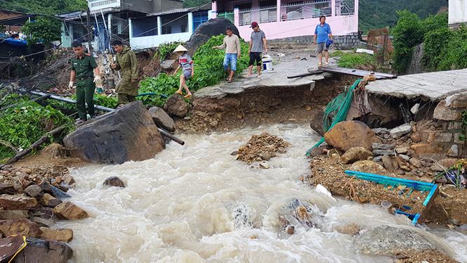 Sự cố vỡ hồ nhân tạo tại Khánh Hòa: Chính con người đã tiếp tay cho thảm họa (21/11/2018)